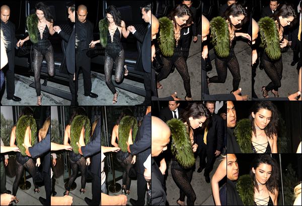 02.11.2016 ─ Kendall Jenner a été photographiée arrivant puis quittant Catch LA, étant, dans le West Hollywood.Kendall J. été accompagnée de ses amies dont la mannequin, Hailey Baldwin. Concernant sa tenue, c'est spéciale mais très jolie, c'est donc un top !