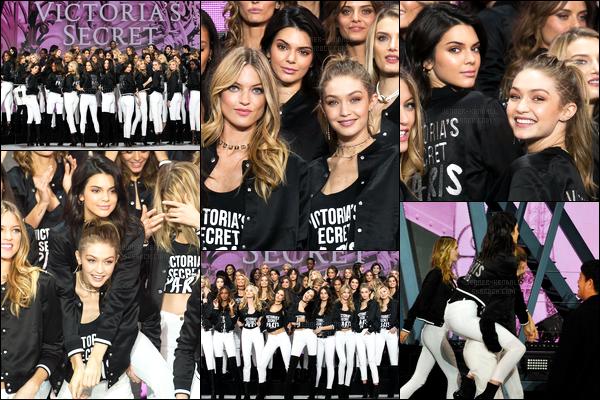 28.11.2016 ─ Kendall Jenner a été photographiée arrivant puis, quittant le Grand palais, avec Gigi, dans Paris, FR.Les deux amies se sont rendue à un photocall à Paris pour le défilé prochainement d Victoria Secret's. Concernant la tenue, j'aime beaucoup, un top !