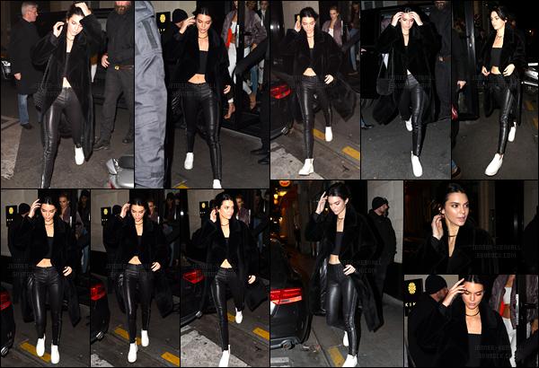 28.11.2016 ─ Kendall Jenner a été photographiée, alors, qu'elle allait dîner, à un restaurant, étant dans Paris, FR.C'est toujours en compagnie de son amie Gigi Hadid et une autre mannequin. Concernant sa tenue, c'est un gros top de ma part, et vous, vos avis ?!