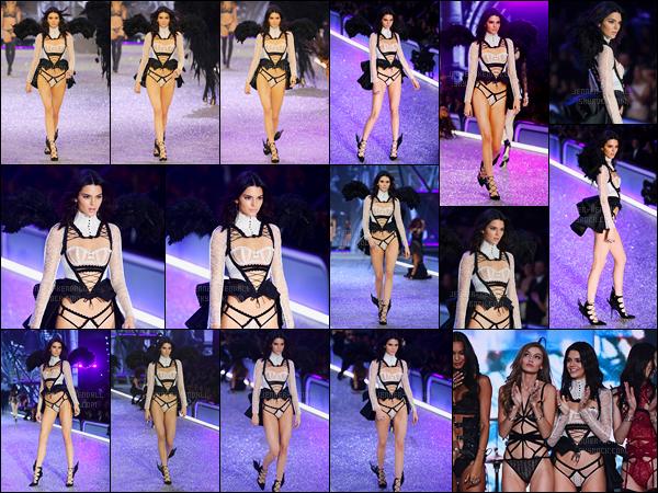 30.11.2016 ─ Kendall Jenner était présente sur le tapis rose de « Victoria's Secret[/g ]» qui se déroulait, étant, à Paris.Kendall a ensuite défilé en portant deux lingeries différentes dont une où Lady Gaga performait ! Bruno Mars et The Weeknd était également présent.