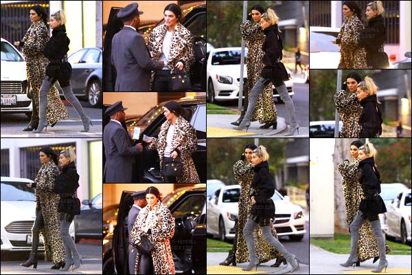 07.12.2016 ─ Kendall Jenner a été photographiée, alors, qu'elle quittait le restaurant Sugarfish dans Beverly Hills.Un peu plus tôt, et toujours accompagnée de son amie Hailey Baldwin, Kendall J. a été vue dans les rues à Beverly Hills. Sa tenue est toujours la même.