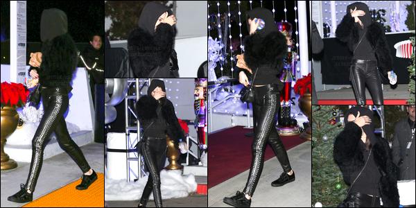 10.12.2016 ─ Kendall Jenner a été photographiée quittant le KROQ's Almost Acoustic Christmas dans Inglewood.La jeune mannequin a ensuite été photographiée au lunch RtA Denim... Concernant sa tenue, c'est la même, j'aime bien même si c'est sombre. Top.