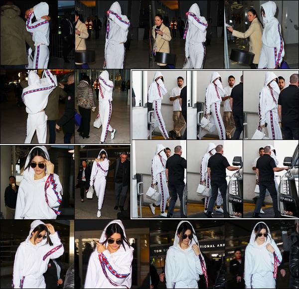 25.01.2017 ─ Kendall Jenner a été aperçue alors qu'elle arrivait à l'aéroport de Charles de Gaulle, dans Paris, FR.Kendall J. a ensuite été photographiée arrivant à l'aéroport de LAX puis quittant un dermatologue à Los Angeles.. Concernant la tenue, c'est un top !