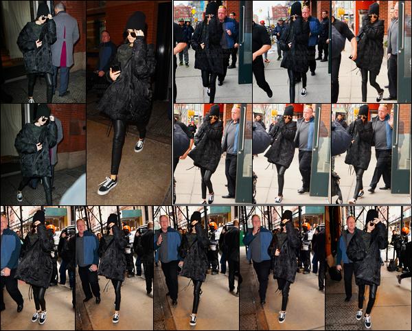 14.02.2017 ─ Kendall Jenner a été photographiée alors qu'elle quittait  «The Mercer Hotel» étant dans Manhattan.Un peu plus tard, Kendall a été photographiée alors qu'elle quittait l'appartement de Kanye West, à Soho... Concernant sa tenue, c'est un beau top !