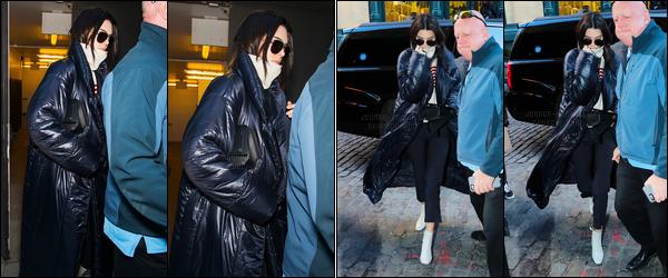 15.02.2017 ─ Kendall Jenner a défilé pour le styliste «Marc Jacobs» collection fall/winter, étant, dans New-York C.Kendall a ensuite été photographiée alors qu'elle quittait le défilé puis retournant à son hôtel.. Concernant sa tenue, c'est un bof pour ma part. Vous ?