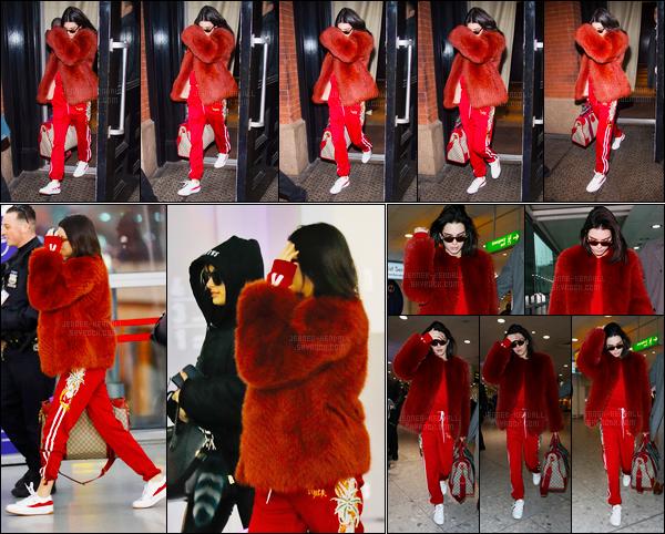 15.02.2017 ─ Kendall Jenner a été photographiée, pendant, qu'elle quittait «Sadelle» se situant, étant, dans Soho.Kendall Jenner  a ensuite été photographiée quittant son hôtel puis arrivant à l'aéroport JFK et enfin elle a été vue arrivant à l'aéroport de Londres. Bof