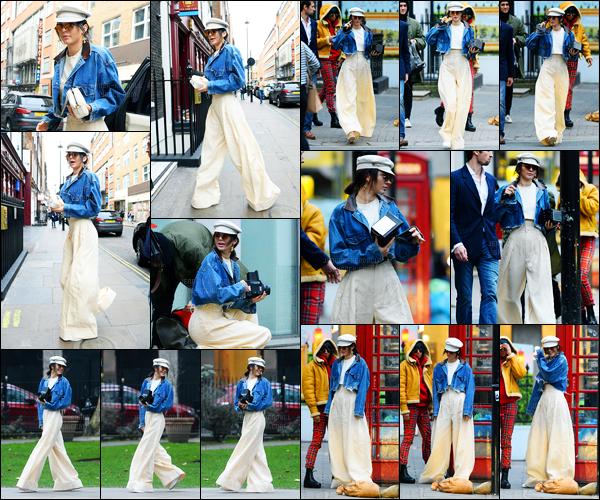 19.02.2017 ─ Kendall Jenner a été photographiée alors qu'elle se promenait, dans les rues, dans Londres, en UK.Accompagnée de son appareil photo, Kendall a été vue dans un parc et devant une maison. Concernant sa tenue, c'est un petit bof que je lui donne.