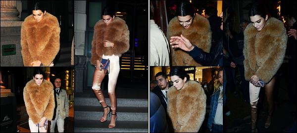 23.02.2017 ─ Kendall Jenner était présente à l'ouverture du magasin La Perla, qui se situais, dans, Milan en Italie.Un peu plus tôt, Kendall a été photographiée quittant son hôtel puis, plus tard, quittant la soirée. Concernant sa tenue, c'est plutôt un top de ma part.