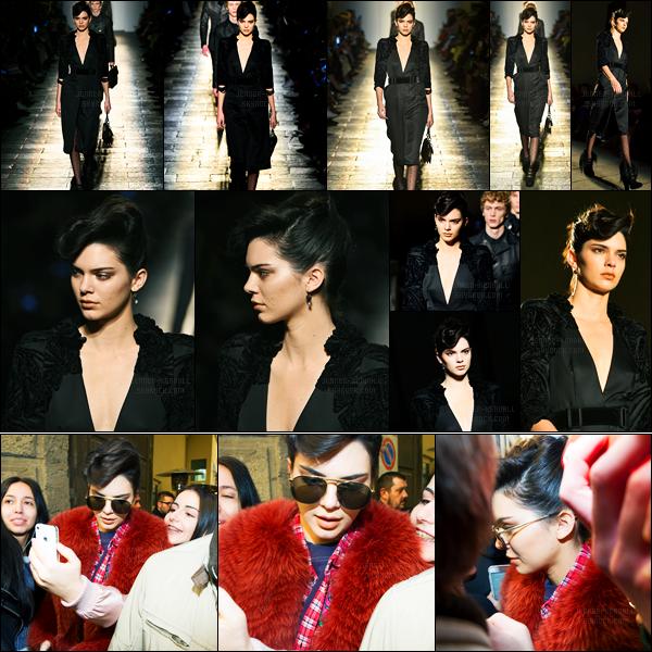 25.02.2017 ─ Kendall Jenner a défilé, pour la marque « Bottega Veneta » collection fall/winter, étant, dans Milan.Kendall Jenner a ensuite été photographiée quittant le défilé toujours à Milan. Concernant la tenue du défilé, c'est simple et plutôt jolie. Et vos avis ?