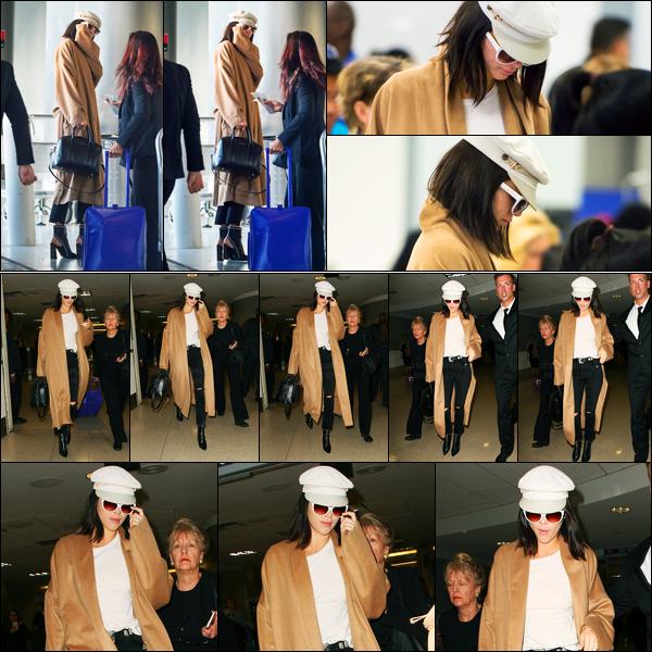 13.03.2017 ─ Kendall Jenner a été photographiée pendant qu'elle arrivait à l'aéroport, se situant, dans Miami, FL.Kendall J. a donc quittée la Floride pour rentrée en Californie puisqu'elle a ensuite été vue arrivant à l'aéroport de LAX. Sa tenue est un top pour moi !