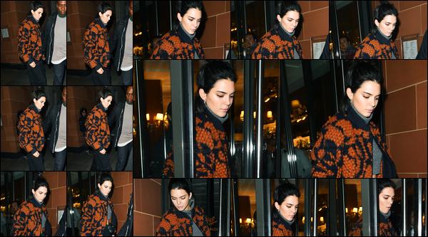 04.04.2017 ─ Kendall Jenner a été photographiée, alors, qu'elle quittait le restaurant « C London », dans Londres.Et pour commencer le mois d'Avril, nous retrouvons notre belle mannequin à Londres ! Concernant sa tenue, c'est un bof de ma part, personnellement.