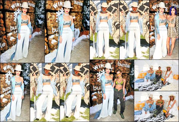 15.04.2017 ─ Kendall Jenner était présente lors du festival « Coachella » au Winter Bumbleland, étant dans l'Indio.La belle mannequin été accompagnée de son amie la mannequin Hailey Baldwin. Concernant sa tenue c'est un beau top de ma part personnellement.