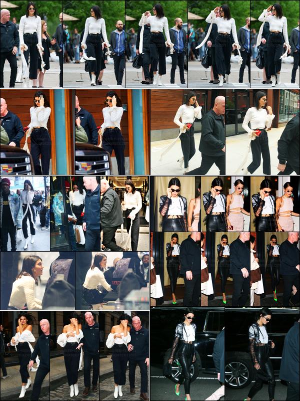 30.04.2017 ─ Kendall Jenner a été aperçue arrivant, et, quittant l'appartement de Daniel Chetrit, dans Manhattan.Journée chargée pour la belle, elle a été vue faisant du shopping, quittant son hôtel puis arrivant et quittant le restaurant Cipriani. Ses tenues sont top.