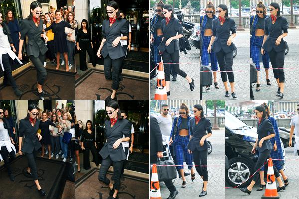 02.07.2017 ─ Kendall Jenner a été photographiée, alors, qu'elle quittait, son hôtel « George V », étant, dans Paris.Un peu plus tard, elle a été photographiée alors qu'elle arrivait au défilé de Miu Miu.. Concernant sa tenue, c'est un beau top de ma part, vous, vos avis ?