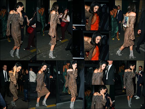 04.07.2017 ─ Kendall Jenner a été photographiée alors qu'elle arrivait au restaurant Japonnais «Kinu», dans Paris.La belle K. était évidemment en compagnie de certaines de ses amies, tard dans la nuit. Concernant sa tenue, je ne suis pas trop trop fan. C'est un flop !