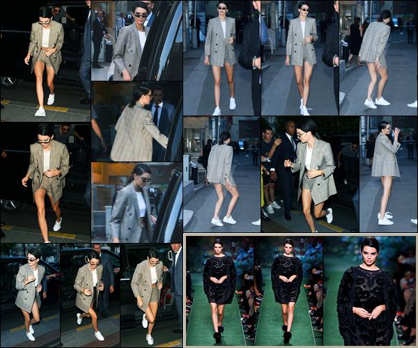 05.07.2017 ─ Kendall Jenner a défilée pour la marque de haute couture «Fendi» collection automne/hiver, à Paris.Un peu plus tard, la belle mannequin Kendall J. a été photographiée quittant le défilé... Concernant ses tenues, je ne suis pas trop fan, c'est donc un flop