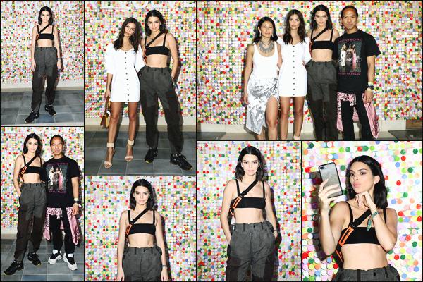 -14/04/2018- ─ Kendall Jenner était présente lors du premier jour du célèbre festival « Coachella » étant dans La Quinta.La belle mannequin Kendall Jenner a posée au « #REVOLVEfestival » lors du festival Coachella... Concernant sa tenue, c'est un petit top pour ma part !
