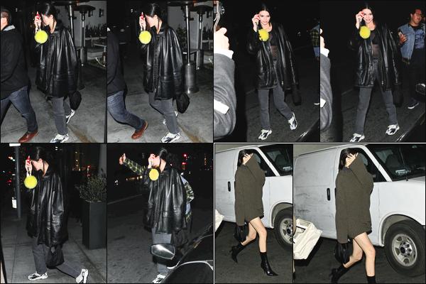 -18/04/2018- ─ Kendall Jenner a été photographiée alors qu'elle se promenait dans les rues dans la ville dans Hollywood !La belle mannequin K.J a été photographiée le lendemain alors qu'elle quittait le « Delilah Bar » à West Hollywood... Ses tenues sont des tops pour moi !