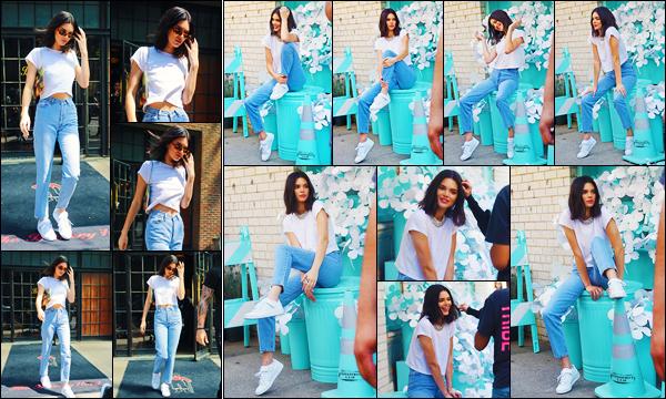 -03/05/2018- ─ Kendall Jenner a été photographiée alors qu'elle quittait son hôtel qui se situe dans la ville de New-York !Plus tard dans la journée, la belle mannequin Kendall J. a été photographiée alors qu'elle faisait un photoshoot pour Adidas... Sa tenue est un beau top !