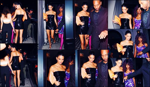 -09/08/2018- ─ Kendall Jenner a été photographiée, alors, qu'elle quittait le restaurant « Delilah » dans West Hollywood.C'est pour la fête d'anniversaire de sa petite s½ur, Kylie Jenner, que la belle brunette K. était au restaurant. Concernant sa tenue, c'est un jolie petit top !