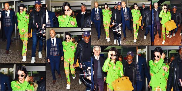 -22/05/2019- ─ Kendall Jenner a été photographiée alors qu'elle arrivait à l'aéroport «  Nice Côte d'Azur » à Nice, France !La belle mannequin Kendall n'est pas arriver très discrètement dans la ville au vu de sa tenue ! Concernant celle-ci, c'est pour ma part, un très gros flop.