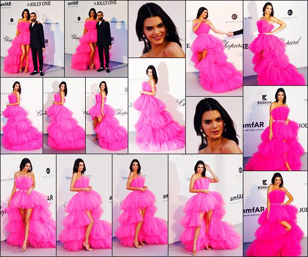 -23/05/2019- ─ Kendall Jenner était présente au « amfAR Cannes Gala 2019 » à Hotel du Cap-Eden-Roc au Cap d'Antibes.La belle mannequin était présente donc comme prévue ! Dans une sublime robe rose qui lui va parfaitement à ravir ! C'est donc un gros top pour ma part