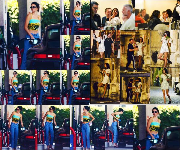 -06/06/2019- ─ Kendall Jenner a été photographiée alors qu'elle faisait son plein d'essence étant dans Los Angeles en CA.La belle mannequin a été photographiée le lendemain quittant un dîner à Rome avec des amies ! Concernant ses tenues, c'est des beaux top de ma part.