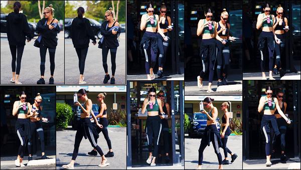 -19/08/2019- ─ Kendall Jenner a été photographiée alors qu'elle arrivait à un cours de Pilates avec Hailey à - Los Angeles.La belle mannequin a ensuite été photographiée quittant son cours de Pilates avec son amie Hailey ! Concernant sa tenue, c'est un jolie top de ma part !