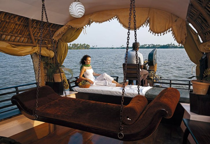 Escape To the Backwater of Kerala and Enjoy the True Pleasure of Nature
