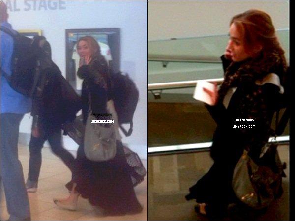 . 30.06.11 - Miley ,quittant Adelaide en Australie. 01.07.11 - Miley , et sa maquilleuse déjeunant à Perth. .