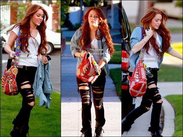 . 07.02.10 - Miley et Liam se rendait chez Ashley Tisdale. TOP ou FLOP ? ..