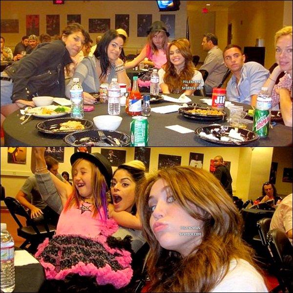 . Photos Twitter - De nouvelles photos de Miley sont apparus sur Twitter. .