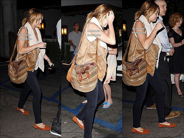 . 16.08.11 - Miley  et son chéri sortant d'un restaurant japonais Kiwami, à Studio City. .