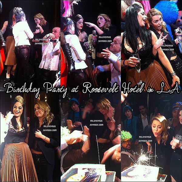 . Nous sommes le vingt-trois novembre et c'est l'anniversaire de la belle Miley Cyrus ! Joyeux anniversaire à MILEY qui fête ses dix-neuf ans. ! .