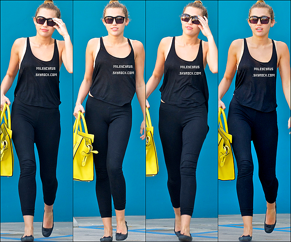. 23/02/12 - Miley sortant d'un salon de manucure à Studio City. .