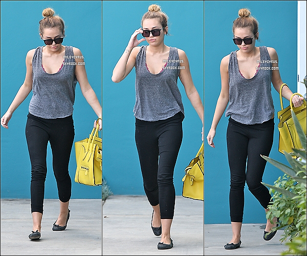 . 29/02/12 - Miley sortant de son cours de pilates à Hollywood. .