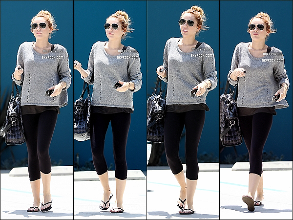 . 07/05/2012 - Miley sortant de son cours de pilates à West Hollywood. .