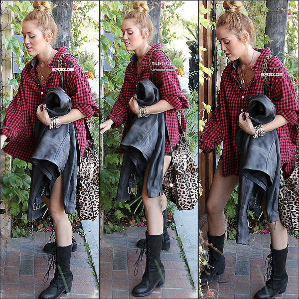 . 26/05/2012 - Miley arrivant au studio d'enregistrement à Los Angeles.  .