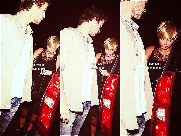. 15/09/12 - Miley , et Liam ont été vu quittant le Troubadour à West Hollywood. Miley serait présente au Festival de musique iHeartRadio à Las Vegas le 21 septembre en tant qu'invité spécial. .