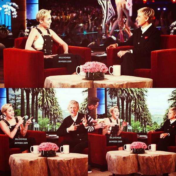 . | 11 octobre 2013 | Performance | Miley était chez Ellen Degeneres ! Elle y a interpréter Wrecking ball & We Can't Stop en acoustique :)     .