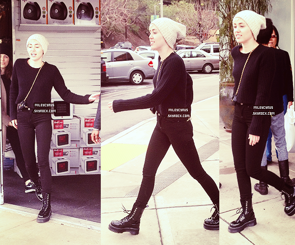 . |02/03/2014 | Appearances |  Miley faisant du shopping à Los Angeles  .