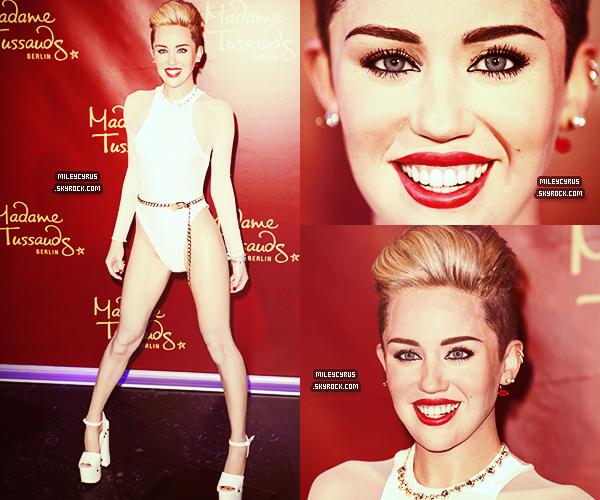 . |04/06/2014 | Candids| Miley sortant de son Hotel à Copenhague.