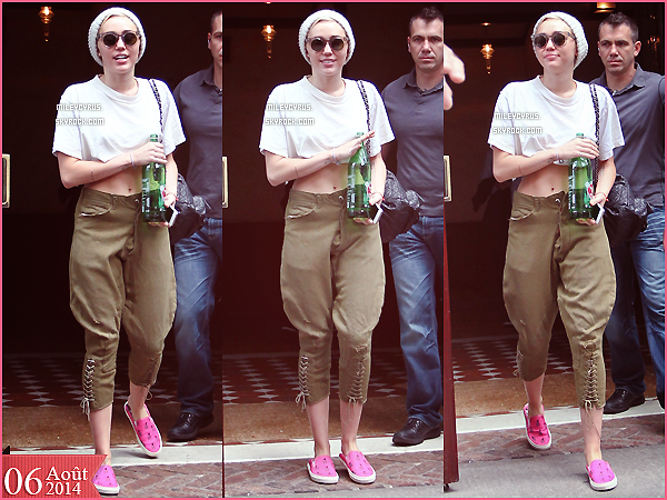 . |06/08/2014 | Candids | Miley quittant son hôtel à New-York. .