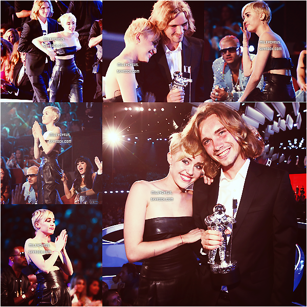. |24/08/2014 | Apparitions | Miley Cyrus a été présente à la cérémonie des MTV Video Music Awards 2014 ! .