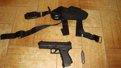 Glock 18 (wingun) avec holster ,fonctionne Co2
