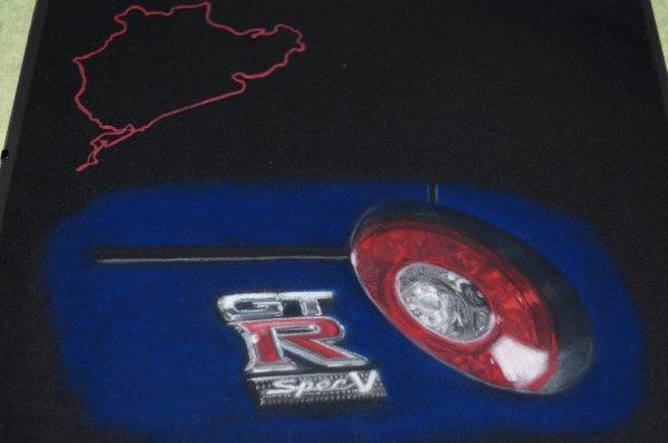 gros plan nissan GTR pour le stand TEAM GO ON à Avignon