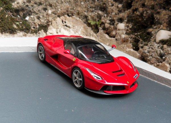 Ferrari LaFerrari Hotwheels 1/43