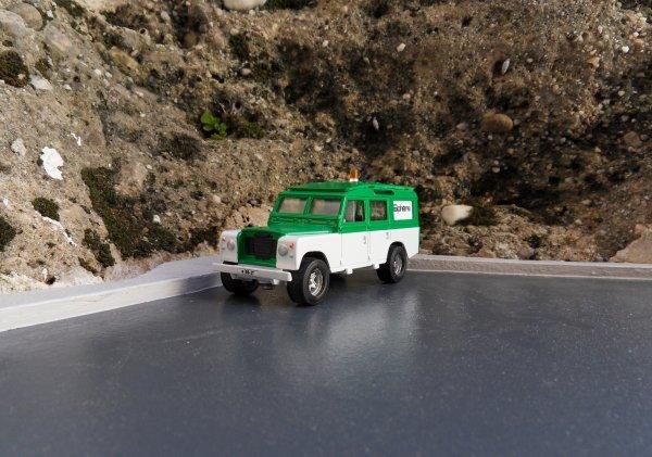 Land Rover 109 Solido
