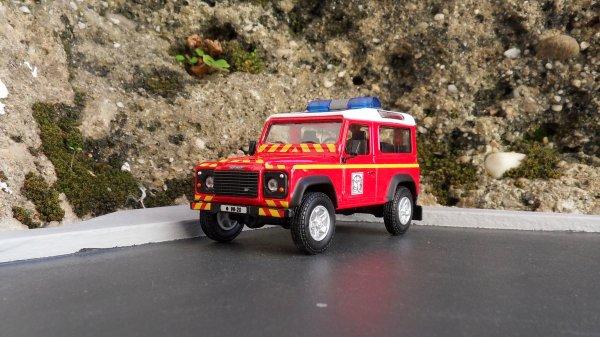 Land Rover Defender 90 Cararama
