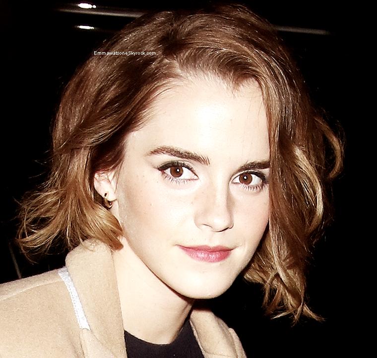 Le 16 décembre: je vous présente un article spéciale sur les sortie d'Emma, elles datent du 8 et 9 décembre. + un autre article sur un autre genre de news est en préparation.